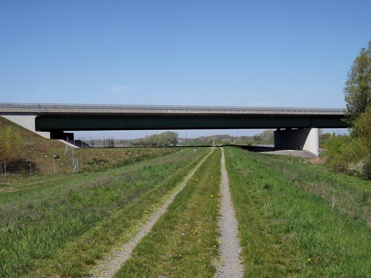 Az autópálya Sió felett átívelő hídja