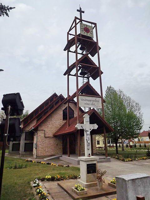 Ruzsa katolikus temploma és haranglába