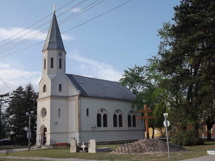 Zsombó római katolikus temploma