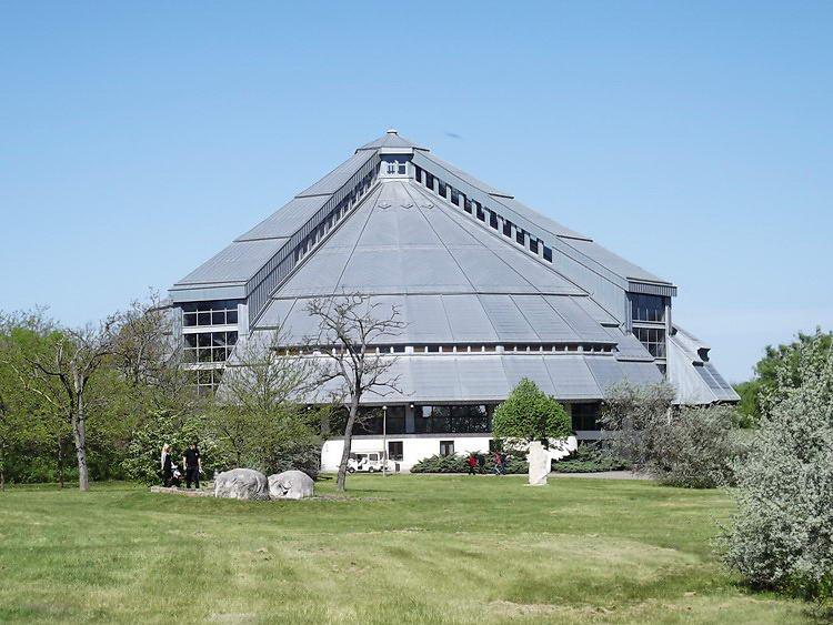 Ópusztaszer - A Rotunda épülete. Itt található a Feszty-körkép