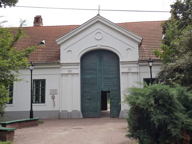 Körösladány, a Wenckheim kúria jelenleg általános iskola