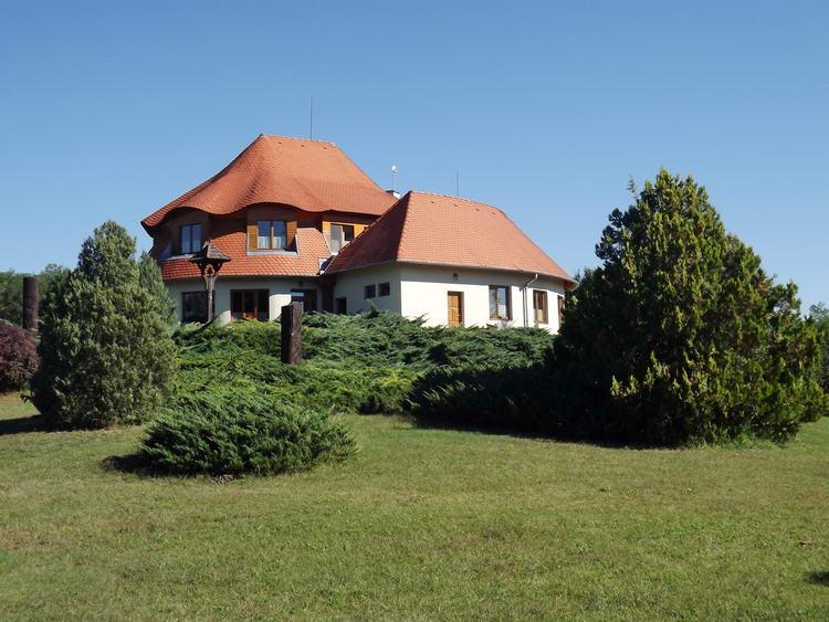 A Bánki Arborétum fogadóépülete