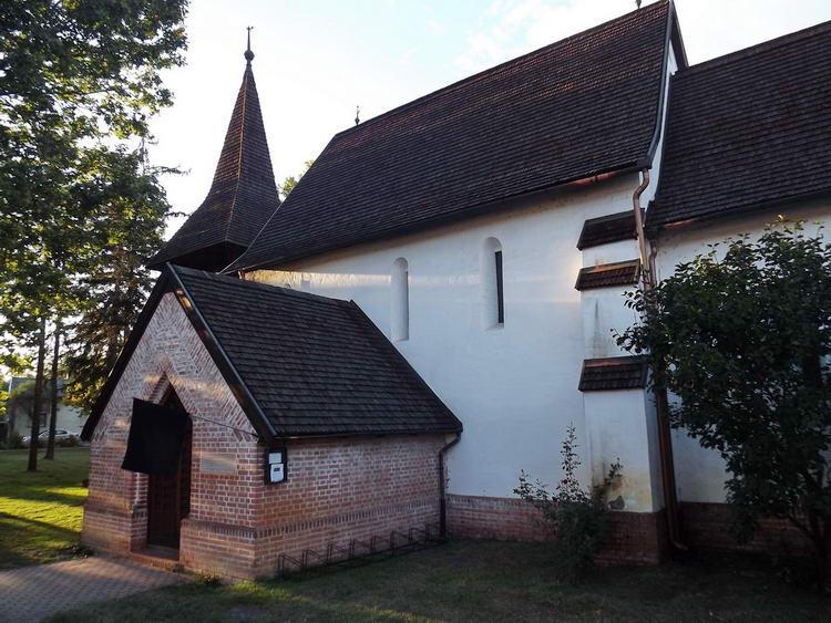 Nyíracsád - Árpád-kori templom és harangláb