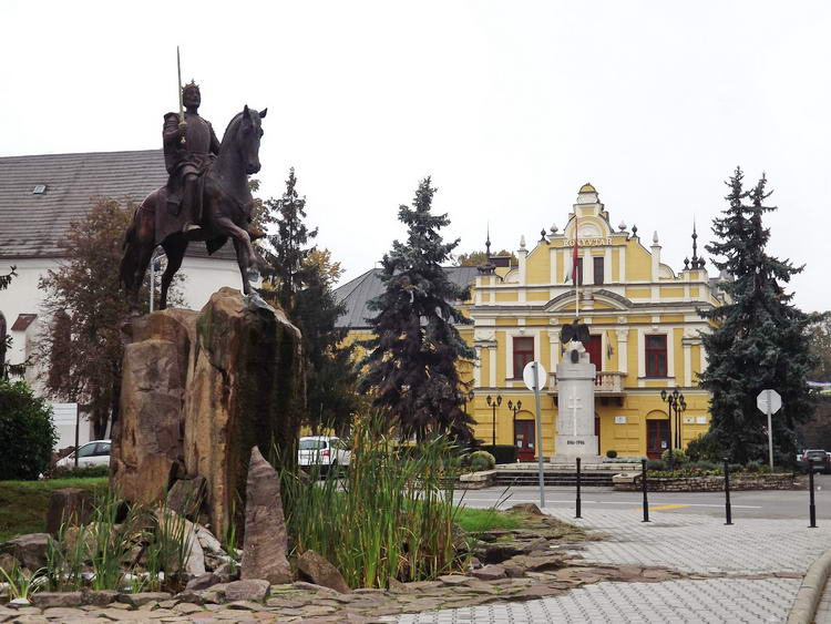 Kisvárda - Megérkeztem Szent László király lovasszobrához