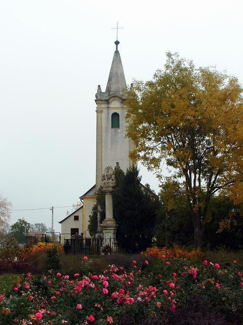 The small catholic church of Bögöt