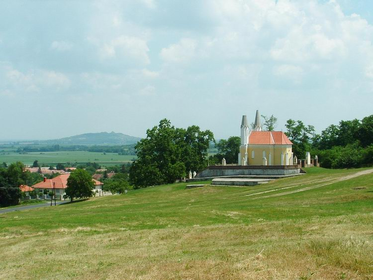 The Calvary Chapel of Sitke and the Ság Mountain