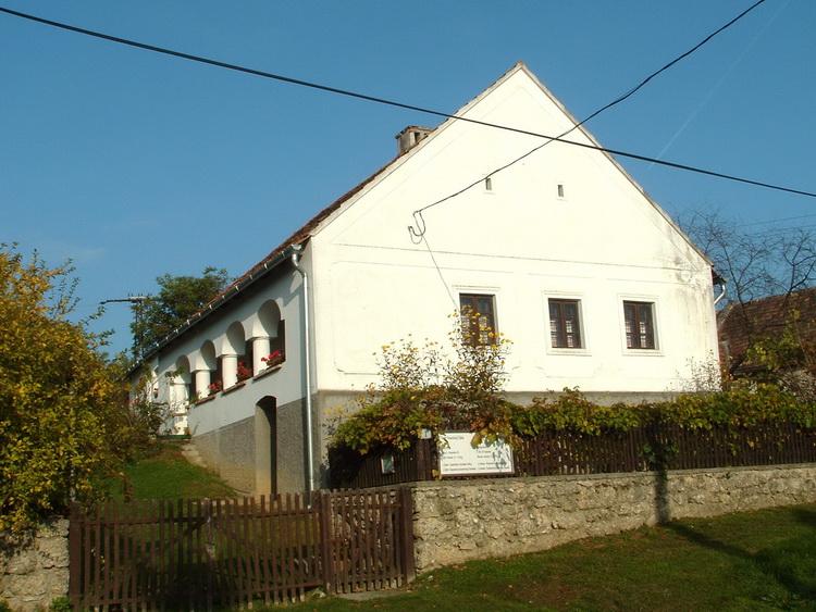 Old Swabian house in Városlőd