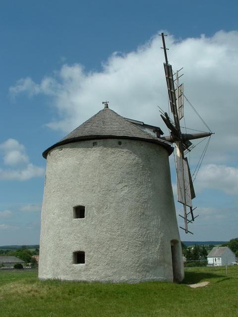 Wind mill at Tés village