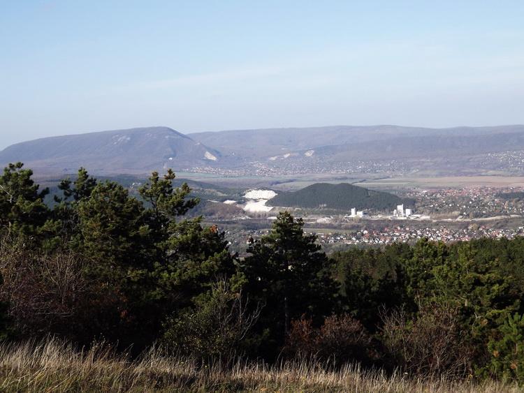 Panorama towards the ridge of Pilis from the top of Nagy-szénás Mountain