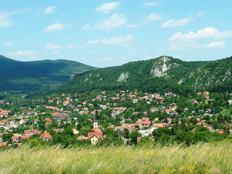 The view of Csobánka village from the Blue Trail
