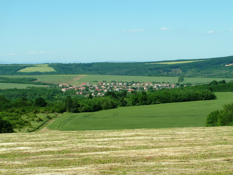 Felsőpetény village lies in the valley