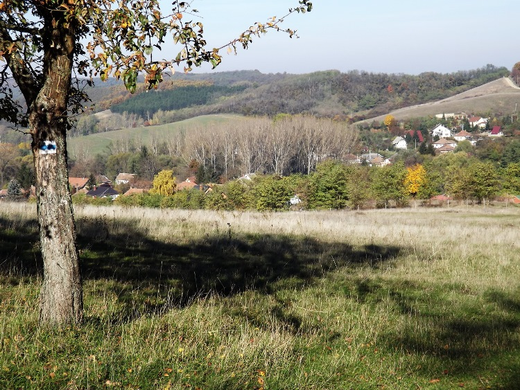 View towards Szandaváralja village from the fields