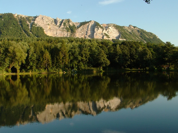 The side of the Plateau of Bükk taken from the Gyári Lake