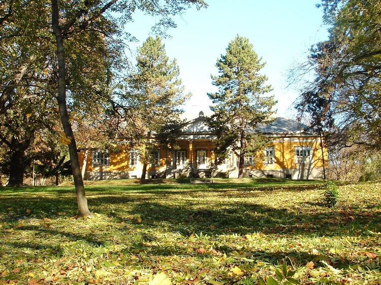 We can catch a glimpse of Serényi mansion through the gate of its park