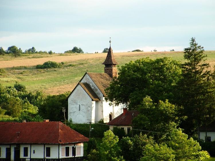 Rakacaszend Árpád kori temploma
