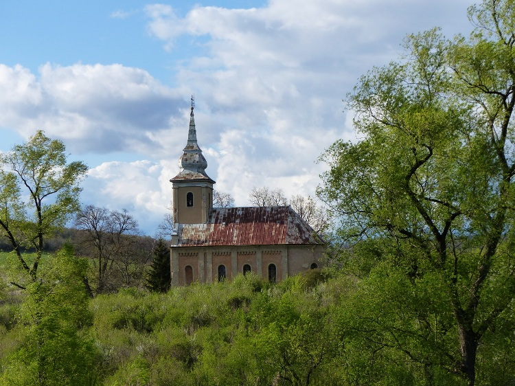 A glimpse to the neglected church of Abaújszolnok village