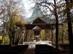 Szabadtéri istentisztelek helye a templom mellett
