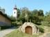 Alsópetény - A domboldalban áll a község római katolikus temploma