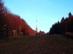 Őszi alkonyatban kapaszkodunk fel a sípályán a Kékesre