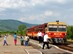 Bódvaszilas - Az érkező Bzmot mögött sorjázik az Aggteleki-karszt vonulata