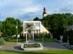 Háborús emlékmű és kultúrház Bódvaszilas főterén