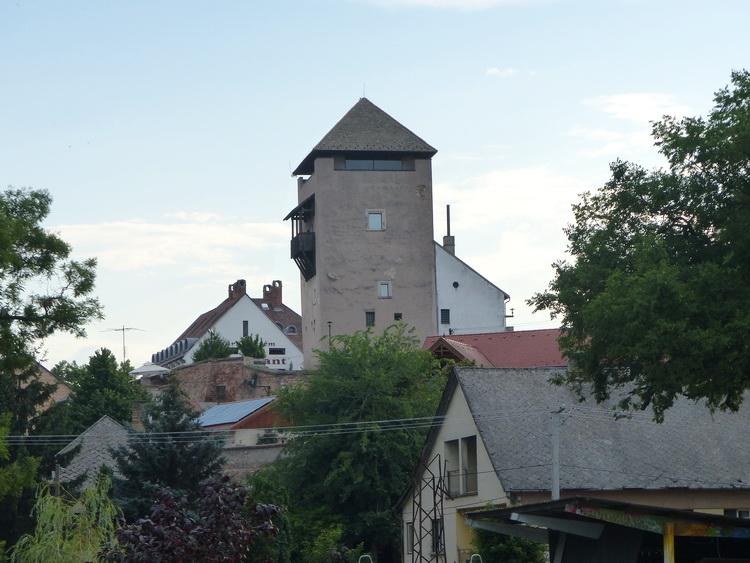 Dunaföldvár - A Török torony (más néven Csonka torony) a középkori vár megmaradt része