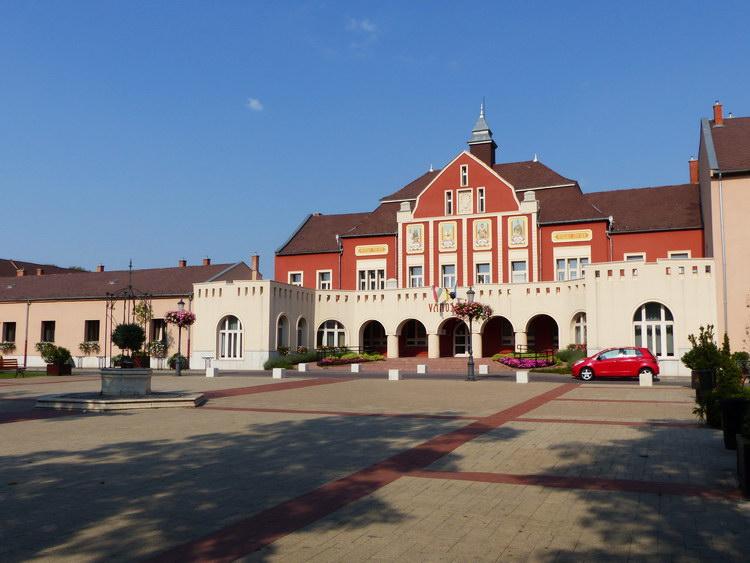 Hatvan - Városháza