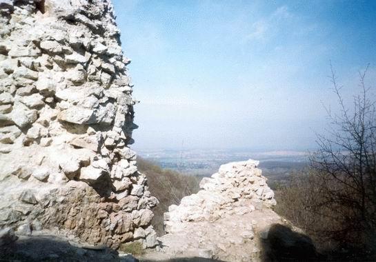 Kilátás Vitányvár falairól