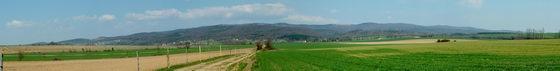 Bozsok - Kilátás a falu feletti domboldalból a Kőszegi-hegységre